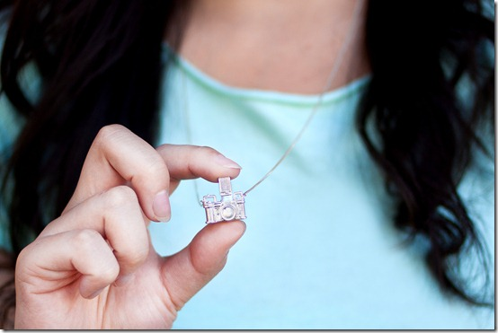 camera-necklace-ec91.0000001297539180