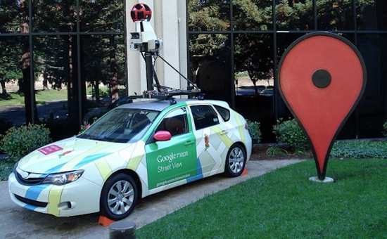 Google car drives themselves