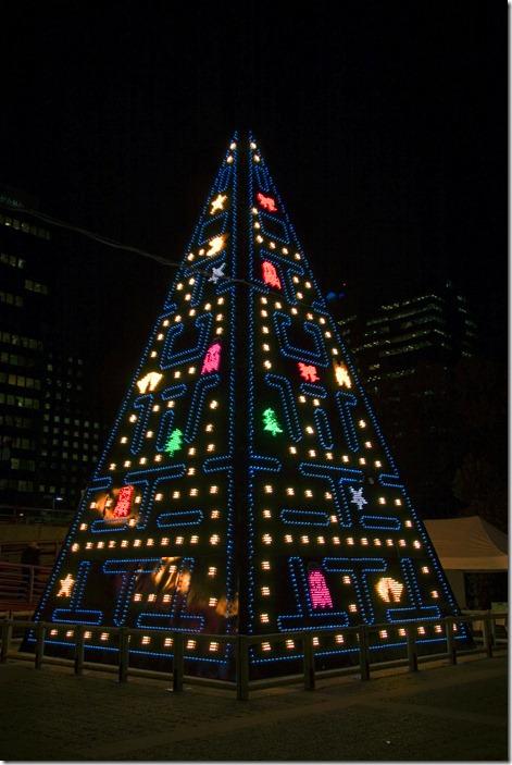 80s-christmas-lights-pacman-tree-Favim.com-122881
